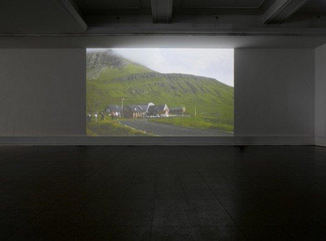 Evergreen, 2006, videoinstallation, Nordens Hus, Tórshavn, Færøerne. Foto: Anders Sune Berg.