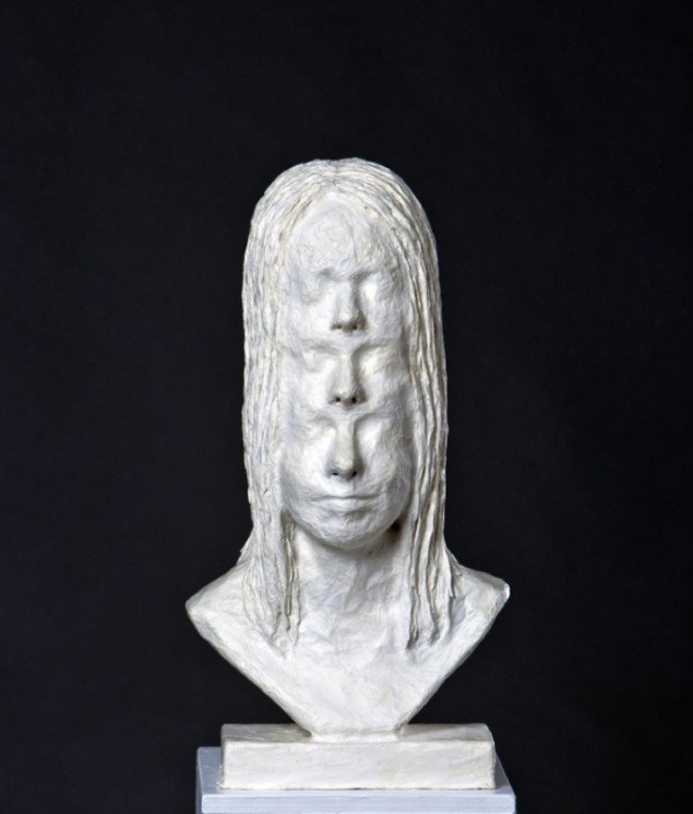 David Dellagi: Three-faced woman, 2012. Pressefoto