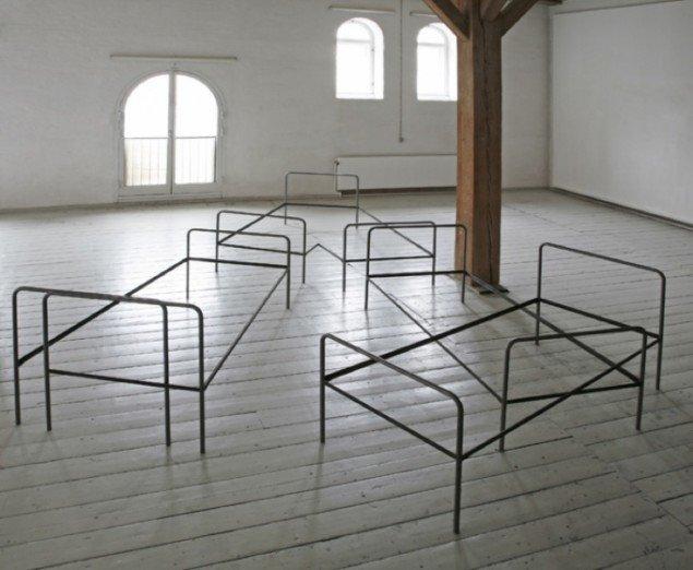 Double Standard, 2007, 6 x 5 x 1 meter. Foto: Erling Lykke Jeppesen.