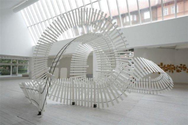 Fencing, 2006. 500 x 600 x 700 cm. Tilhører KUNSTEN Museum of Modern Art Aalborg. Foto: Erling Lykke Jeppesen.
