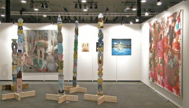 Træskulpturer af Charlie Roberts hos David Risley Gallery