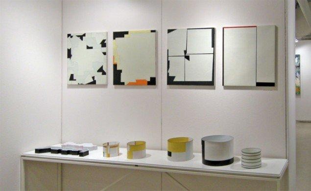 Hos Galleri Weinberger kunne man finde malerier af Leif Kath og keramik af Bodil Manz