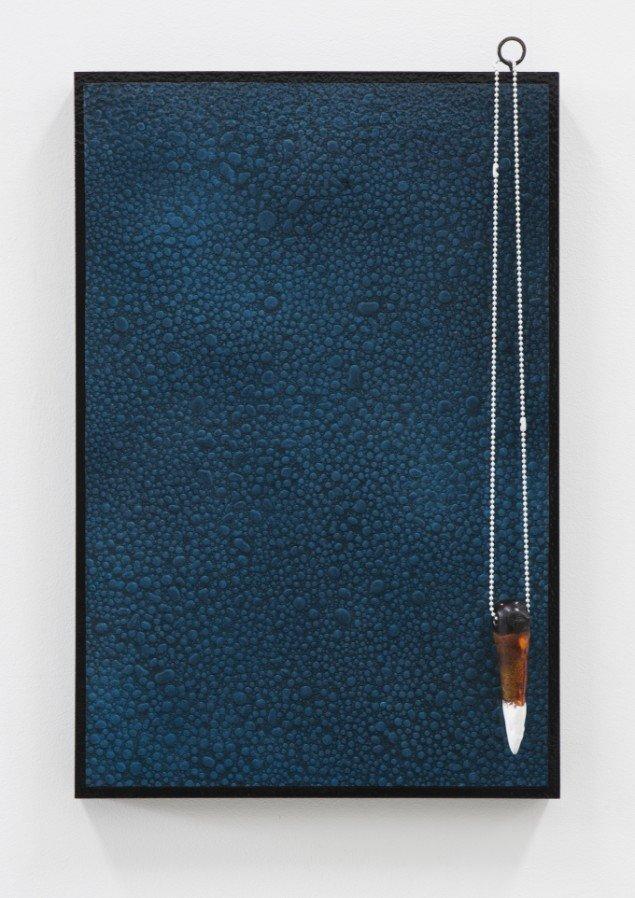 """""""Wet 3"""", 2012, 60 cm x 40 cm, acryl, kuglekæde, øsken, stentøj og lak på træ. Foto: Kristoffer Juel Poulsen."""