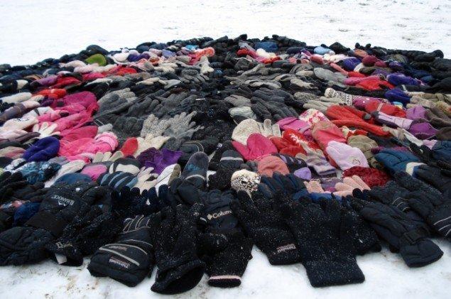 Enlige handsker i symbiose. Foto: Sandra Morenilla Nielsen