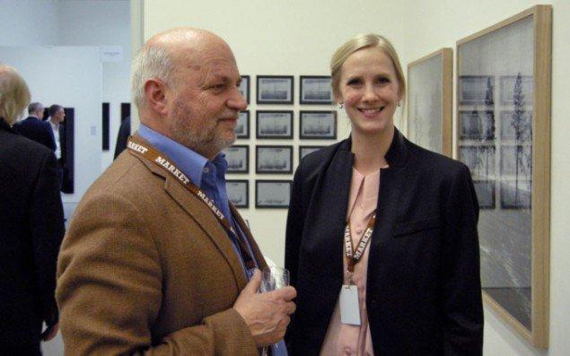 Tom Christoffersen med Louise Birch Sørensen, assistent hos Peter Lav Gallery.