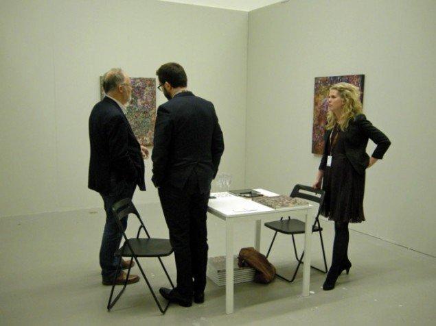 Det islandske galleri i8 præsenterede blomstermalerier af Eggert Petursson.