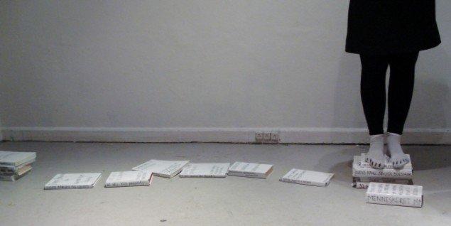 For hvert kapitel smides en bog, og en sti begynder at danne sig. Foto: Sandra M. Nielsen