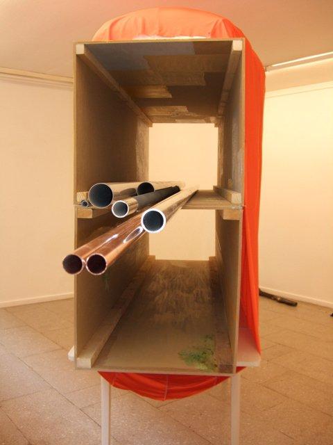 Fra udstillingen Hængetræ og tæskebamse, installationview, SPECTA 2009. Foto: Erling Lykke Jeppesen