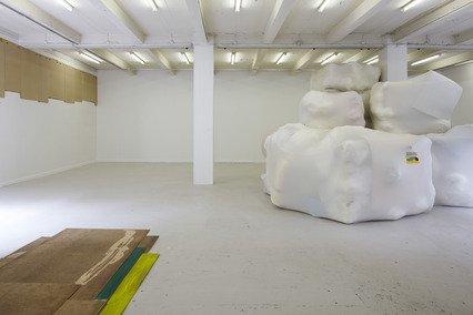Lim mellem landskaber, 2011. Installationsview fra Overgaden. Foto: Anders Sune Berg