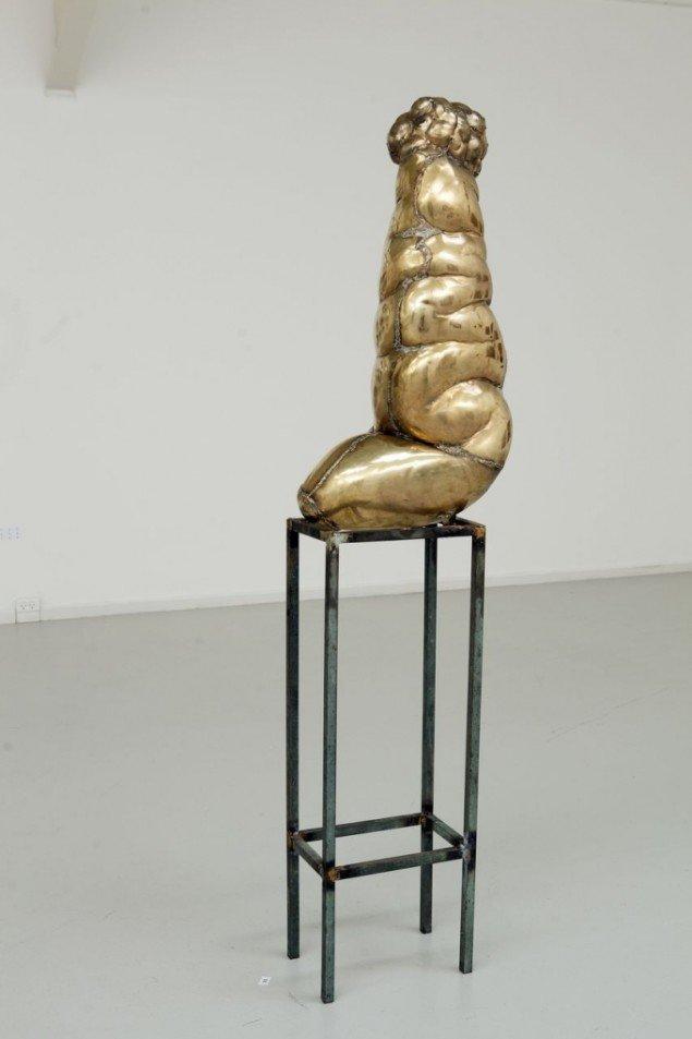 Kurt Tegtmeier: Organisme 2013. Skulptur. Messing. Foto: Nils Rosenvold