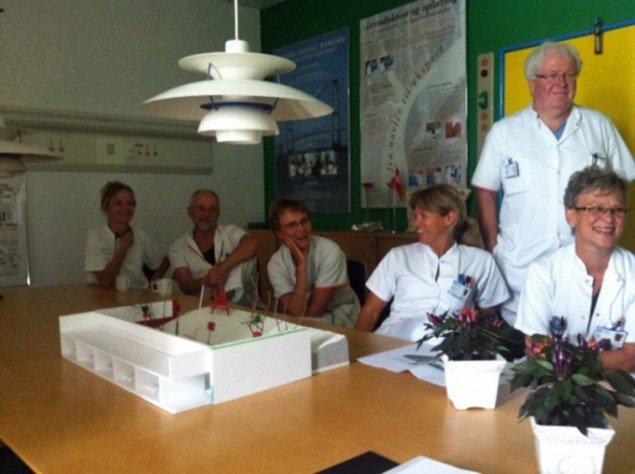 God stemning på hospitalet under præsentationen af Ultra Grøns forslag. (Foto: Råderum)