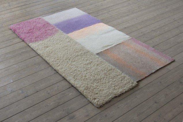 No title (Off-white), 2012 Akryl på gulvtæppe.