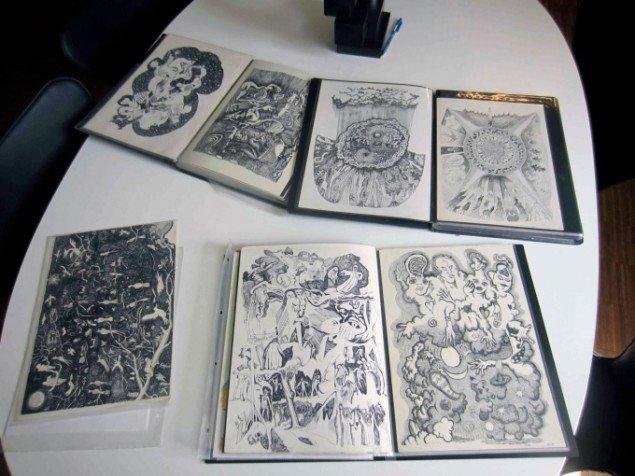 John Howards mapper med tegninger. Foto: Anders Reventlov.
