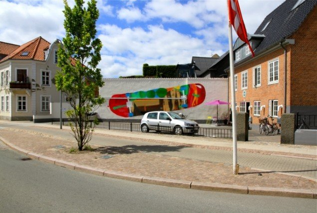 Privat væg af Dinesen og Reventlov. Foto: Henrik Haven.