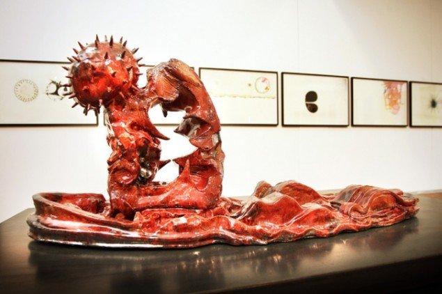 Nils Erik Gjerdevik: Uden titel, keramisk skulptur, variable mål. Foto: Jens Morten