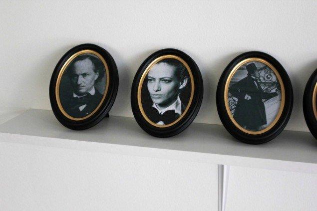 Mette Kit Jensen: Flâneuse, Museé de l'Europe. 2013. Hylde med indrammede portrætter: Poeter fra 1800-tallet/kvindelige fotomodeller 2013. Foto: Thomas Wolsing