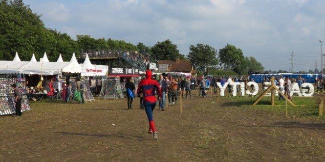 En af de mange superhelte på festivalen. (Foto: Jenny Selldén)