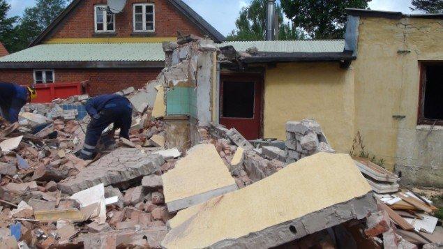 Nedrivningen af huset. Foto: Presse