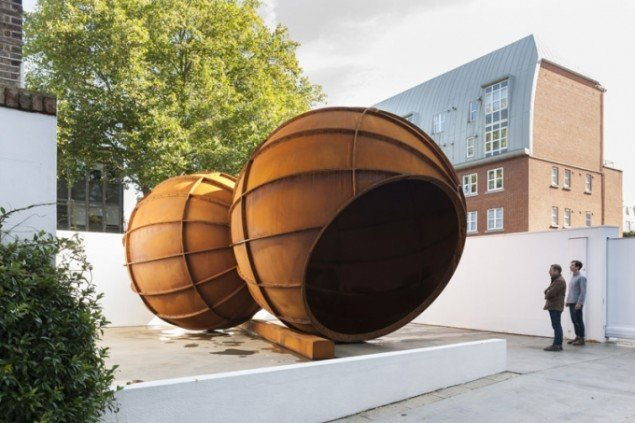 Anish Kapoor, Installation View, 2012. (Lisson Gallery, London)