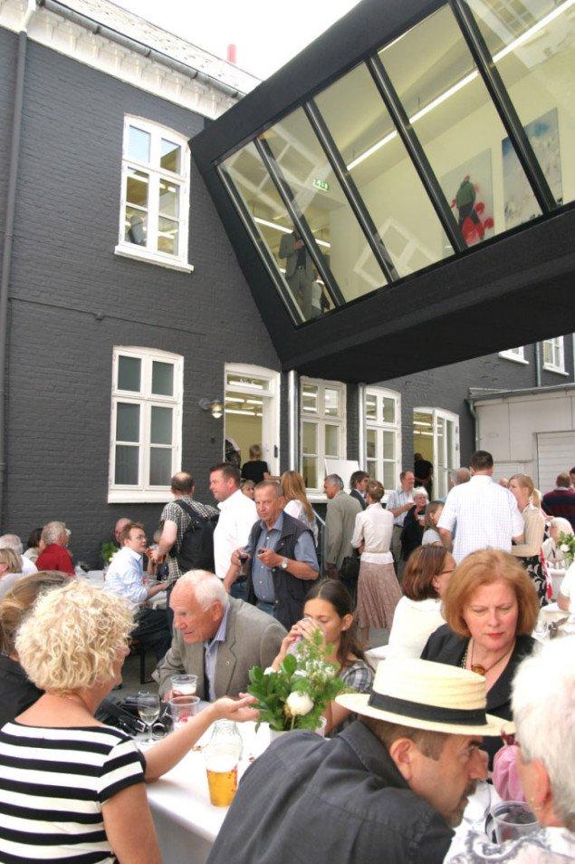 Åbningsfest under broen. Foto: Maja Egelund