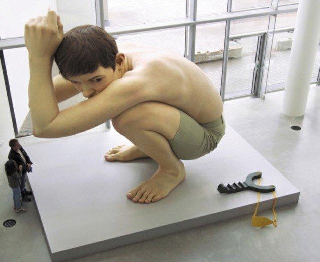 Boy versus Papfar, Aros Aarhus Kunstmuseum, 2004. Foto: Steffen T. Nielsen
