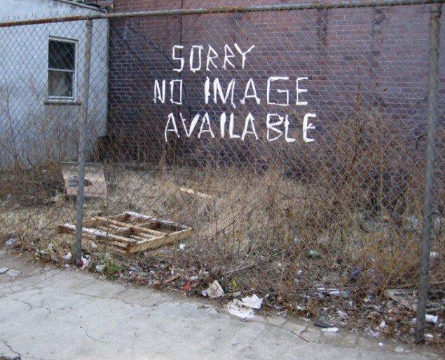 Sorry no image available, plastpostflet på trådhegn, Manhatten, New York, 2012. Foto: Søren Behncke