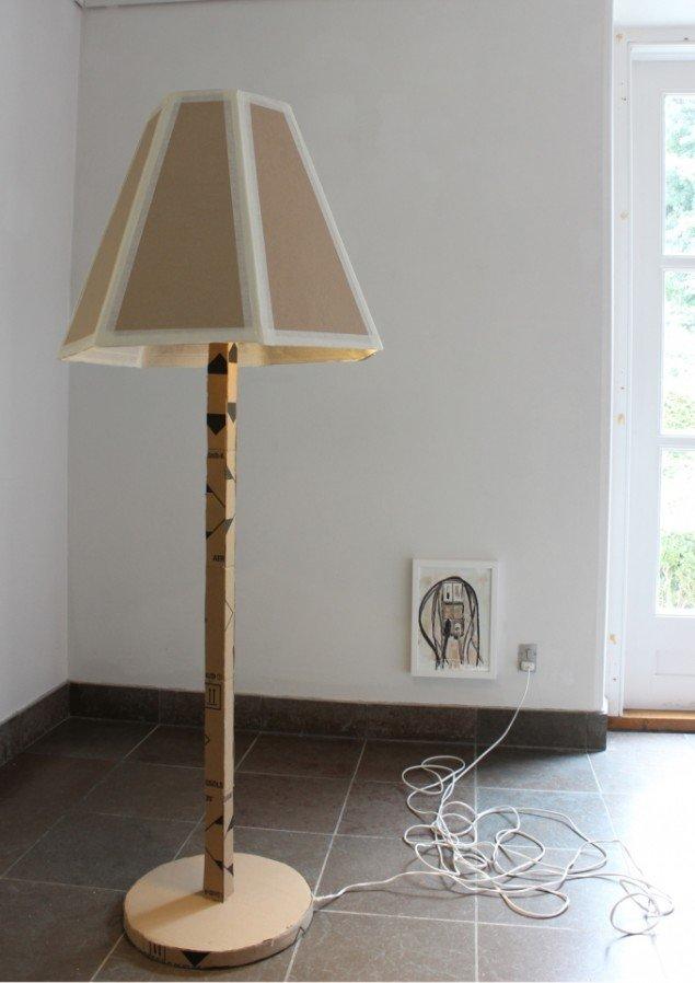 Lars Heiberg: Stue lampe, 2013. Foto: Lars Heiberg