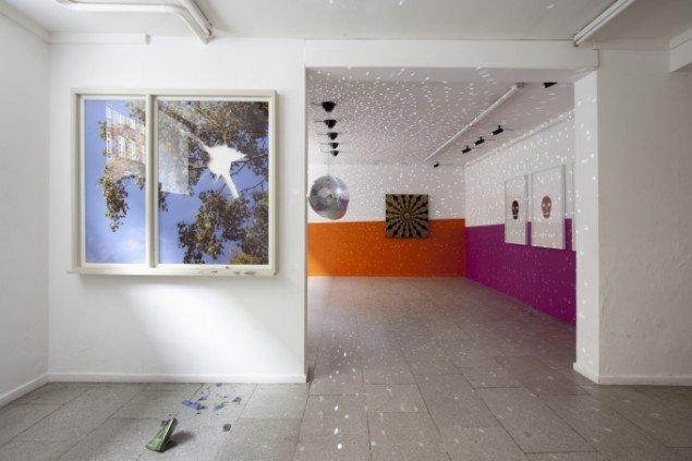Peter Holst Henckel og John M Armleder: Enter Before You Leave, installationview. Foto: Erling Lykke Jeppesen
