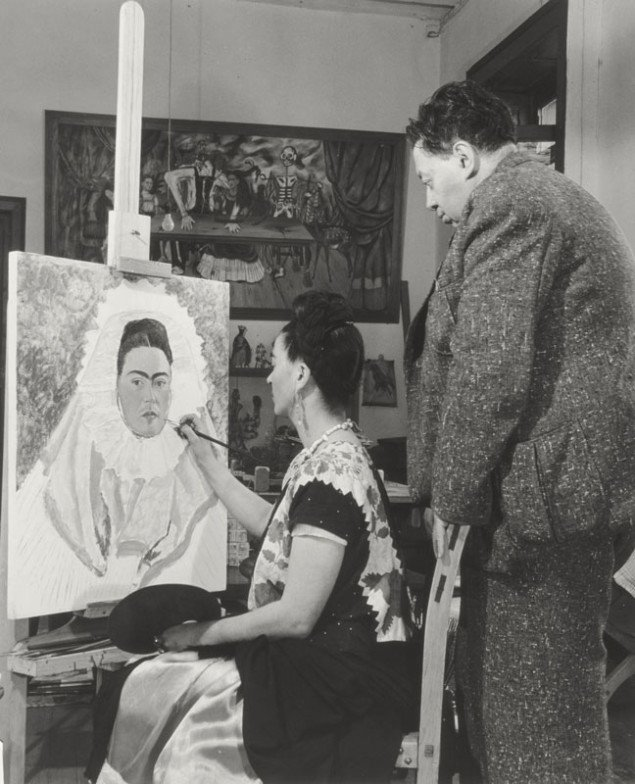 Bernard Silberstein, Frida maler selvportræt mens Diego ser til. (The Vergel Foundation © 2013)