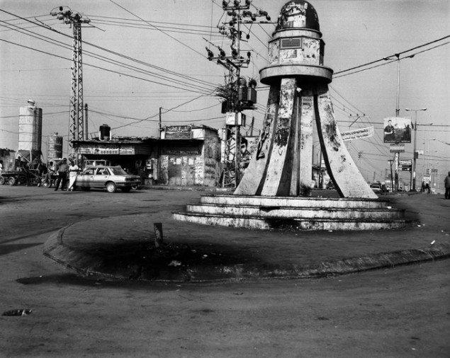Henrik Saxgren: Al Shuhada Square, Gaza, 2001