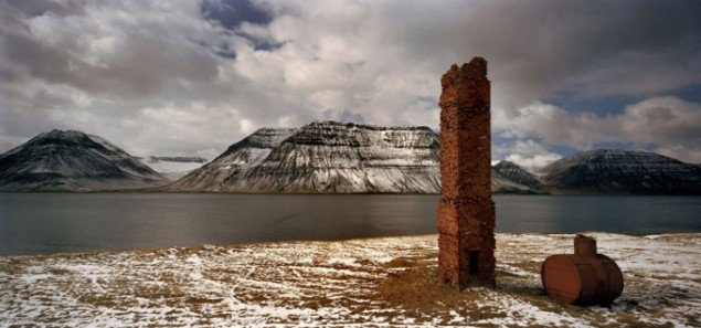Henrik Saxgren: Chimney, Iceland, 2009