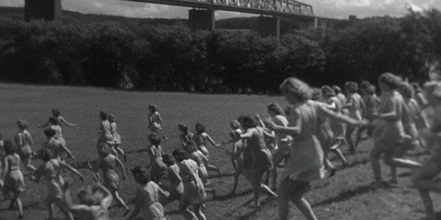 Still fra filmen Fremtidens Borgere af Theodor Christensen, 1946. (Pressefoto)