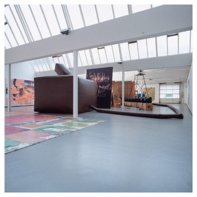 HEADLESS TOUR (HALF SNOWBALL) Kunsthalle Gôppingen,DE,2003...