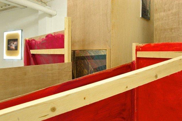 Heine Skjerning: Fremvisning. Installation med malerier. Detalje. Foto: Heine Skerning
