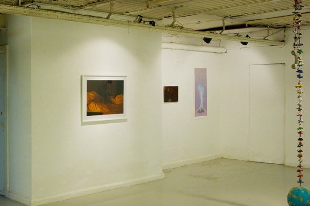 Peter Egedal Andreasen: At Night, 2013, Lambdaprint (52x70 cm.); Face in the dark, 2012. Maleri (30x40 cm.); Burning Toy Tires, 2013. Print (110x50 cm.). Foto: Heine Skerning