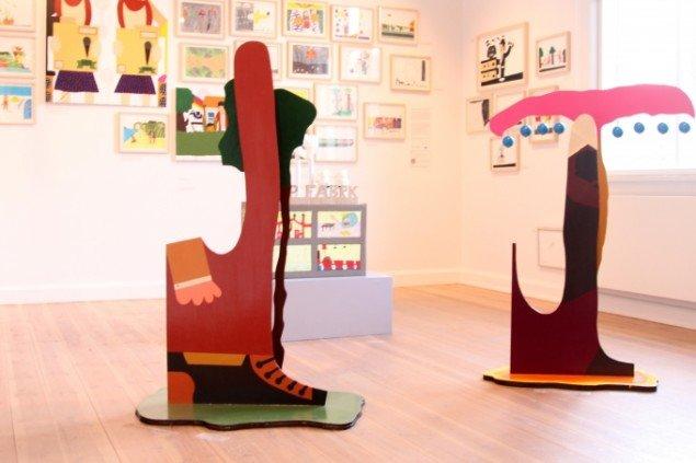 Installationsview SMÆK! på Storm P. Museet 2013. I forgrunden to af Kristian Devantiers kaktusmænd Uden titel 2010. Akryl, spånplade og lak. Foto: Christine Bruun Hybschmann