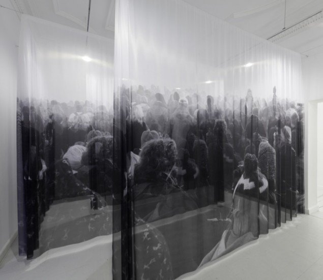 Gray Trampled Grass. Gray Snow  2011, Galleri Christoffer Egelund, installationsview. Foto: Anders Sune Berg