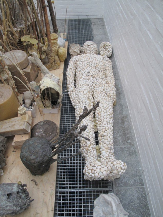 Emil Westman Hertz Sømandens Grav (detalje) 2012-13. Installationsview fra Holstebro Kunstmuseum. Foto: Pressefoto