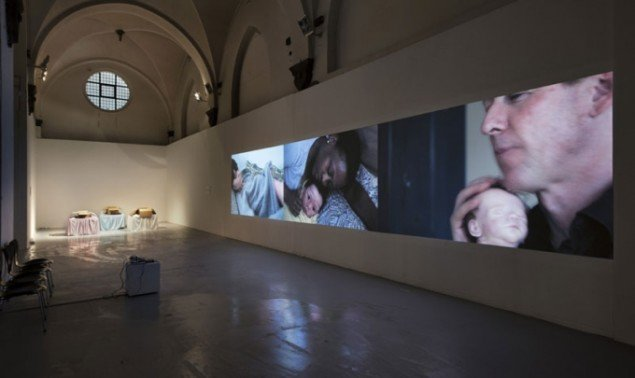Installationsview, Mothers – Others, 2013. (Foto: Lea Nielsen)