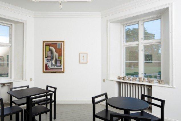 Franciska Clausen,Baren, 1927 og Mette Winckelmann, The Favourite, 2009,Fra  Lucky Pieces, Brundlund slot. foto Anders Sune Berg