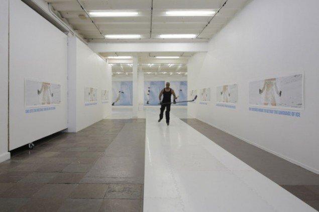REVISIT Kirsten Justesen: Ice Script – Meltingtime #17, Installationsview. Foto: Anders Sune Berg