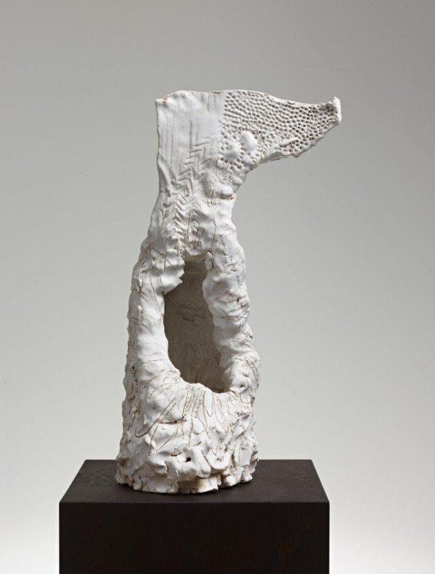 Peter Linde Busk: The Carollers of Kölbigk II, 2013. Keramik, 54 x 30 x 24 cm. På The Carollers of Kölbigk, Galleri Bo Bjerggaard 2013-14. Pressefoto