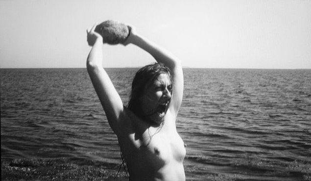 Katja Bjørn Cave Woman 2013. Video, varighed 5 min. Video still.