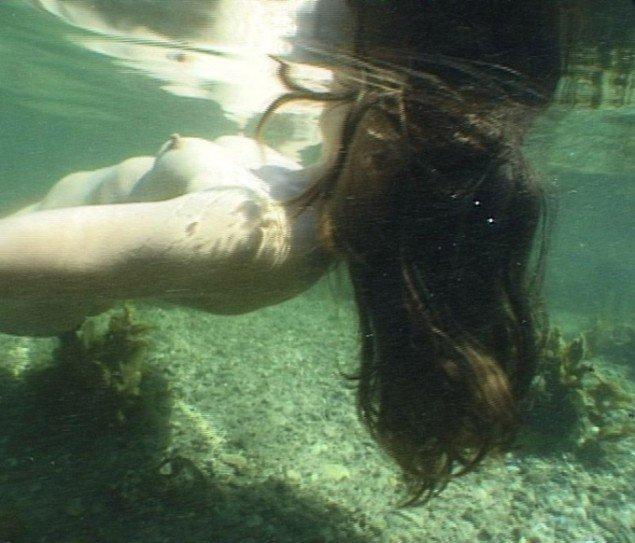 Katja Bjørn Hibernating Mermaid 2010. Video, 11 min., loop. Video still.