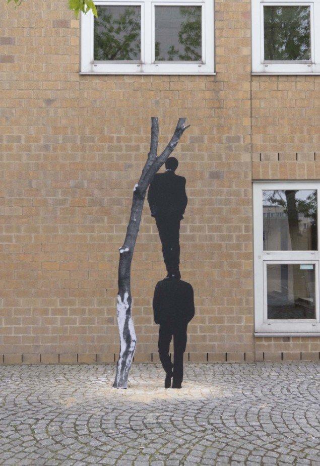 Jakob Kolding Uden titel 2013. Installationsview fra udendørs skulpturudstilling ved Museum Abteiberg. Foto: Jakob Kolding