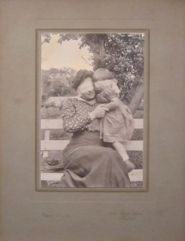 Joachim Fleinert: The Mother and Daughter fra serien There Was a Family in 1915 2012. Foto: Kunsthal Nord