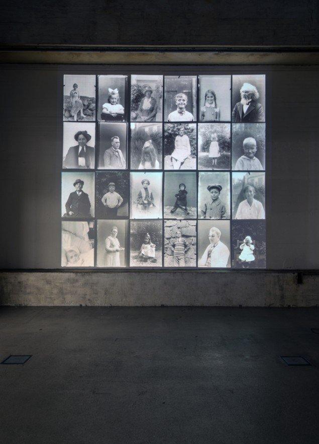 Joachim Fleinert: Reflective Memories 2011. Videoinstallation i loop. Foto: Niels Fabæk