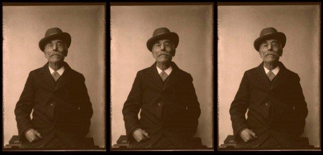 Joachim Fleinert: The Man With the Glasses. Detalje fra videoinstallationen Reflective Memories 2011. Screendump.