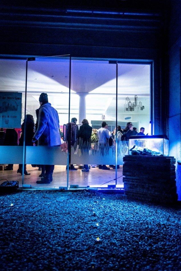 Indgangen til festen. Foto: Per Bergmann