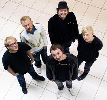 I urets retning: Vectral, Jonas R Kirkegård, Søren Bendt, Julian Juhlin og Tobias Ebsen. Foto: Sara Kangas